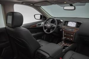 2017-Nissan-Pathfinder--002
