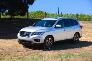 2017-Nissan-Pathfinder--006