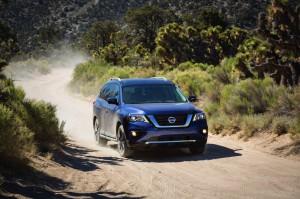 2017-Nissan-Pathfinder-txgarage-004