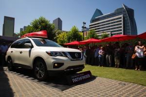 2017-Nissan-Pathfinder-txgarage-010