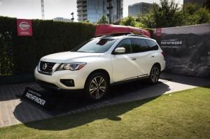 2017-Nissan-Pathfinder-txgarage-014
