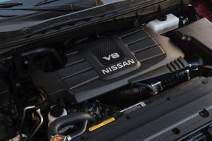 2017-Nissan-Titan-019
