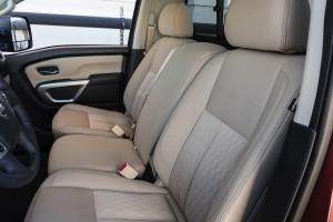 2017-Nissan-Titan-022