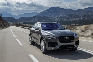 Jag F-PACE Drives AmmoniteGrey 3.0 S 280416 16 LowRes