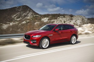 Jag F-PACE Drives ItalianRacingRed 2.0D R Sport 280416 19 LowRes